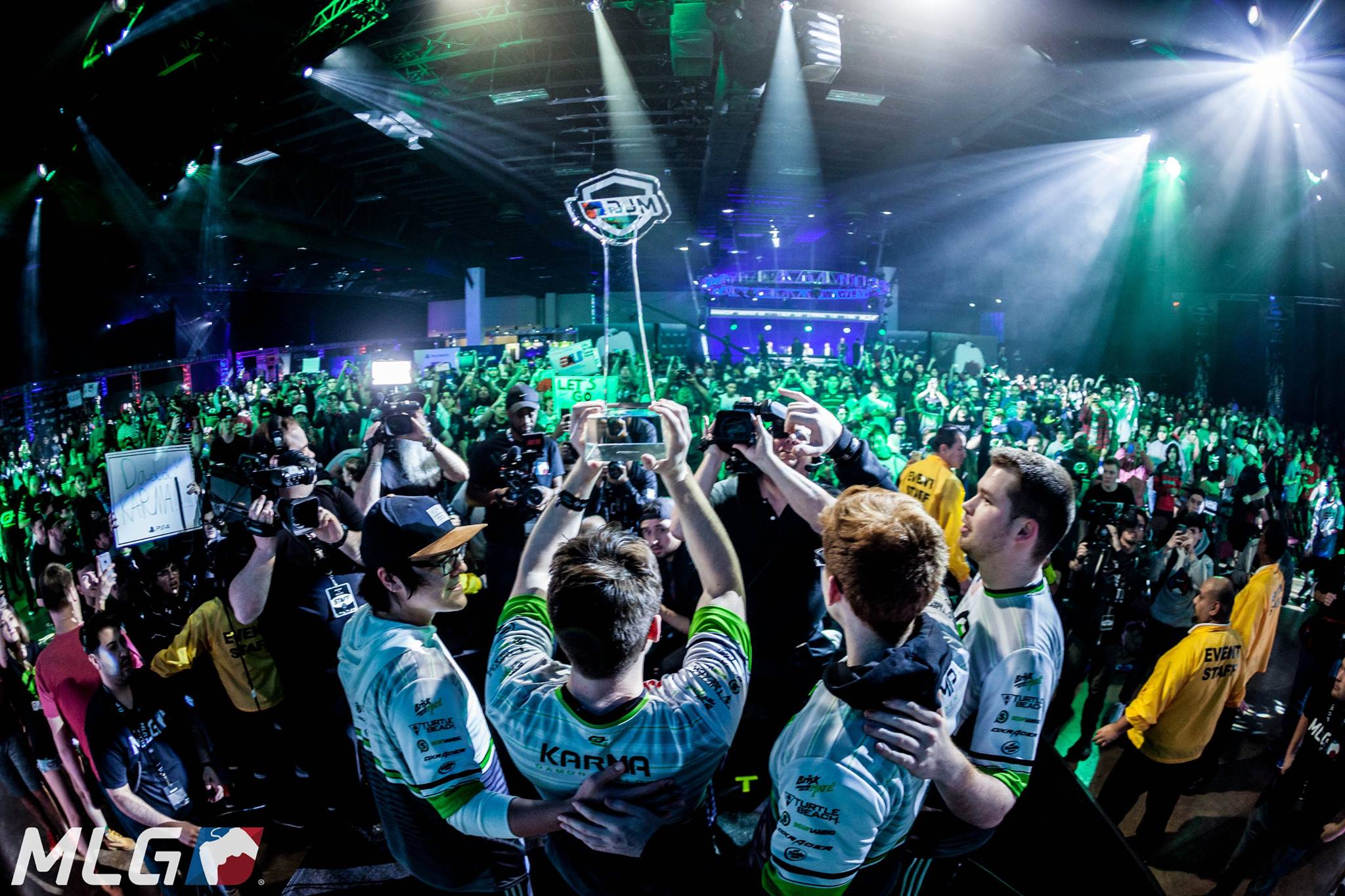 Your CWL Dallas Champions - OpTic. Image courtesy of MLG.